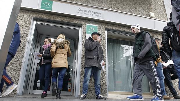 El gobierno prorroga hasta agosto la ayuda de 450 euros for Oficina empleo goya