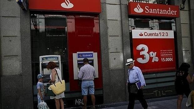 El santander deja de remunerar la cuenta que lanz s lo for Cajeros automaticos banco santander