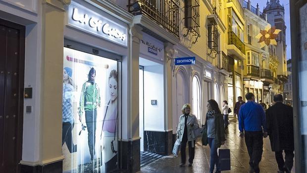 Decathlon cambia el nombre de sus tiendas urbanas a for Trabajar en decathlon madrid
