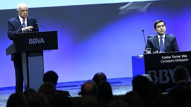 Francisco Gonzalez, presidente de BBVA, y Carlos Torres, consejero delegado, durante la última presentación de resultados