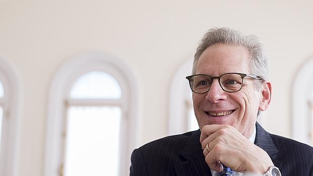 Stewart D. Friedman: «Las personas tienen que trabajar menos para ser más productivas»