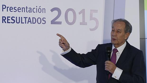 El presidente de OHL, Juan Miguel Villar Mir, durante la presentación hoy a los analistas de los resultados correspondientes al cierre de 2015