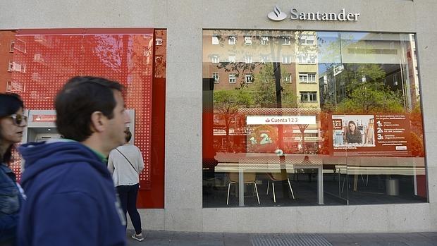 La mitad de las oficinas bancarias desaparecer n en diez for A banca oficinas