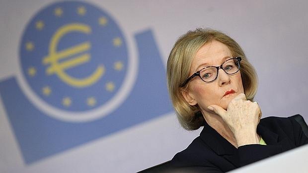La presidenta del Mecanismo Único de Supervisión del BCE apuesta por ganar tamaño o escala, a través de procesos de integración
