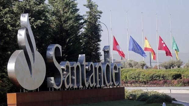 La uco permanece siete horas en la sede del banco for Localizador de sucursales santander