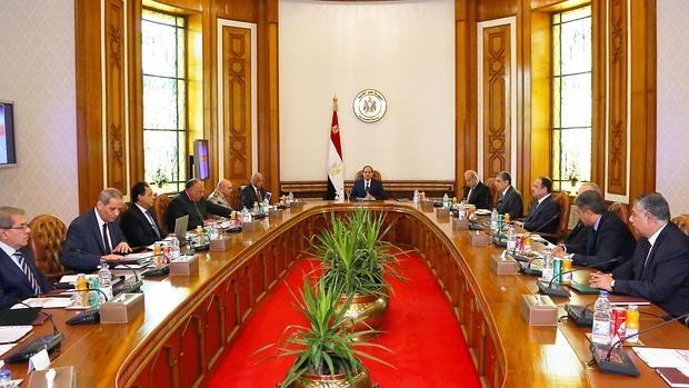 El presidente egipcio Abdel Fattah al-Sisi, reunido con el comité de seguridad nacional