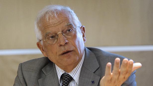 El exministro socialista Josep Borrell durante su intervención en la presentación del V Informe sobre el Estado de la UE 2016