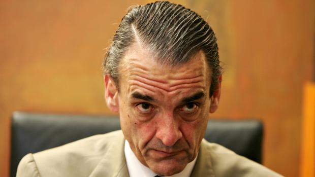 Mario Conde disfrutaba de cocineros, yate y club de golf pese a deber 14 millones por el «caso Banesto»