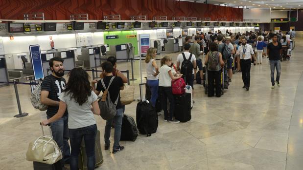 Hemeroteca: La Audiencia investiga si AENA ocultó infracciones de algunas aerolíneas | Autor del artículo: Finanzas.com