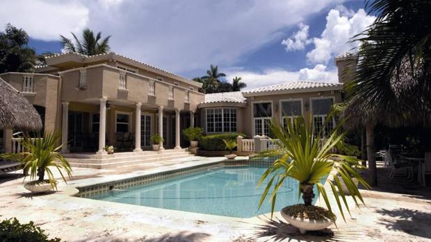 Qu diferencia de precio hay entre una vivienda con for Casas vacacionales con piscina