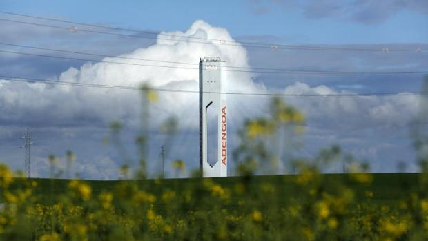 Hemeroteca: Abengoa cierra el acuerdo definitivo para la reestructuración de la deuda | Autor del artículo: Finanzas.com