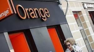 Facua denuncia a Orange por cobrar a los clientes que cambian de línea a Amena