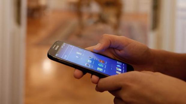 Hemeroteca: Bruselas da marcha atrás y repensará el tope de 90 días al «roaming» gratis | Autor del artículo: Finanzas.com