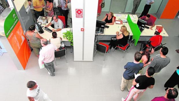 Hemeroteca: España fue el país de la OCDE donde más bajó el paro en el mes de julio   Autor del artículo: Finanzas.com