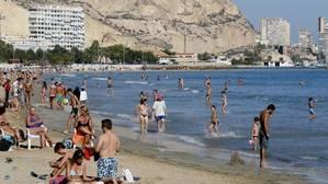 España recibió 60,3 millones de turistas hasta septiembre, un 10,1% más que en 2015