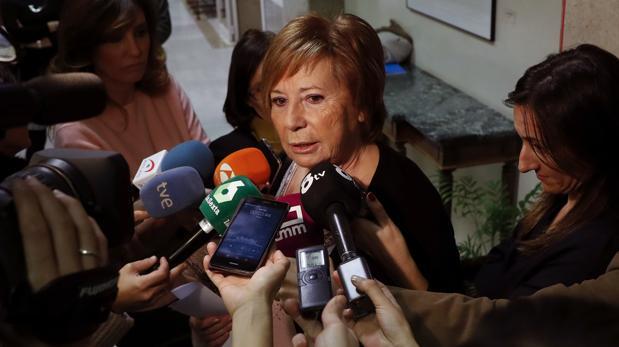 La presidenta de la Comisión de Seguimiento y Evaluación de los Acuerdos del Pacto de Toledo, Celia Villalobos