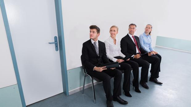 Las empresas buscan perfiles especializados, pero quieren personas capaces de integrarse en un equipo