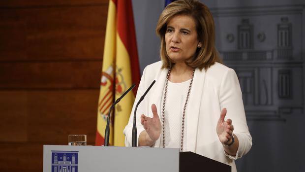 La ministra de Empleo, Fátima Báñez, comparece en el Palacio de La Moncloa