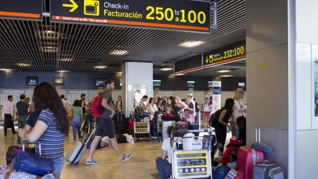 Imagen del Aeropuerto Adolfo Suárez Madrid-Barajas durante el verano pasado