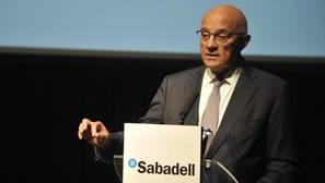 Sabadell vende prácticamente toda su participación en el portugués BCP