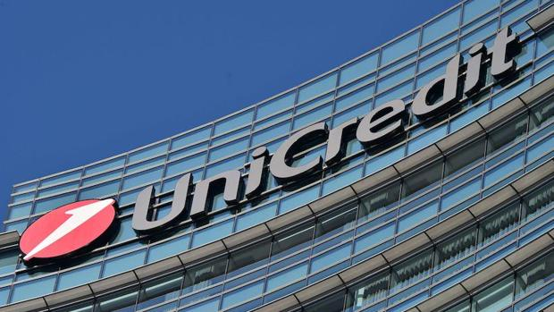 Unicredit aprueba un aumento de capital de millones for Sucursales banco santander en roma italia