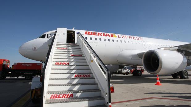 Iag iberia operar vuelos low cost a ee uu y for Vuelos barcelona paris low cost