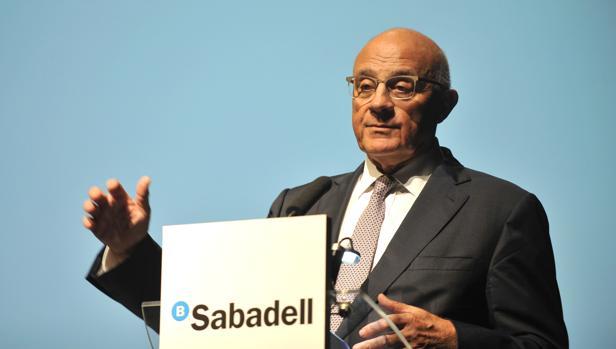 Banco sabadell cerrar 250 oficinas en 2017 y reducir su for Oficinas sabadell madrid