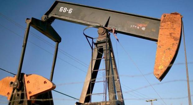 Foto de archivo de un pozo petrolífero cerca de la ciudad de Taft, California (Estados Unidos)