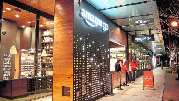 El nuevo supermercado sin línea de cajas que ha abierto Amazon Go en Seattle (Estados Unidos)