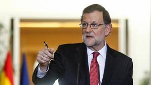 El Gobierno anuncia que la economía española creció el 3,3% en 2016, una décima más de lo previsto