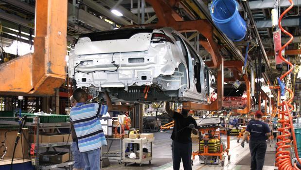 General Motors trasladará parte de su producción de México a EE.UU.