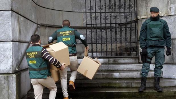 Seis detenidos tras registrarse la sede de UGT en Asturias por posible fraude