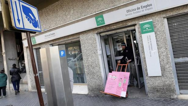 La seguridad social gana extranjeros en diciembre hasta un total de - Oficina de empleo tenerife ...