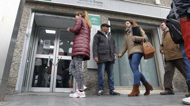 Los hogares con todos sus miembros en paro bajan en 2016 - Oficina de empleo galicia ...