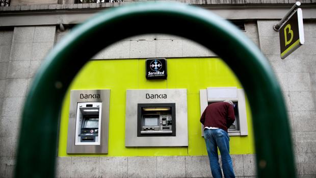 Bankia anuncia un procedimiento expr s para devolver for Solicitud clausula suelo