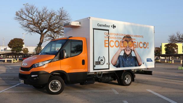 carrefour primera empresa de distribuci n en incorporar camiones de gas natural en espa a. Black Bedroom Furniture Sets. Home Design Ideas