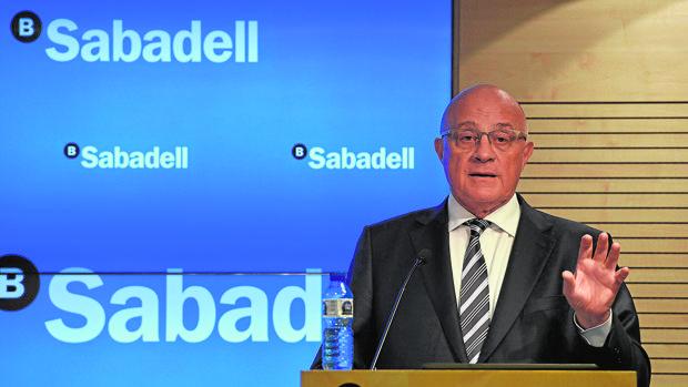 Sabadell estudia medidas alternativas al efectivo para for Bancos devolver clausulas suelo