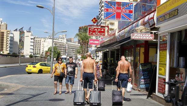 Turistas en Benidorm en una imagen de archivo