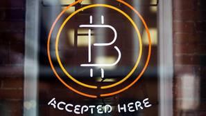 Bitcoin llegó a superar por primera vez la barrera de los 1.000 dólares a finales de noviembre de 2013