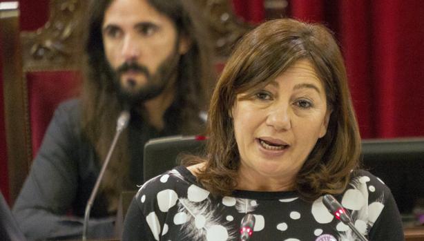 La presidenta de Baleares, Francina Armengol, interviene este martes en el Parlamento de Baleares