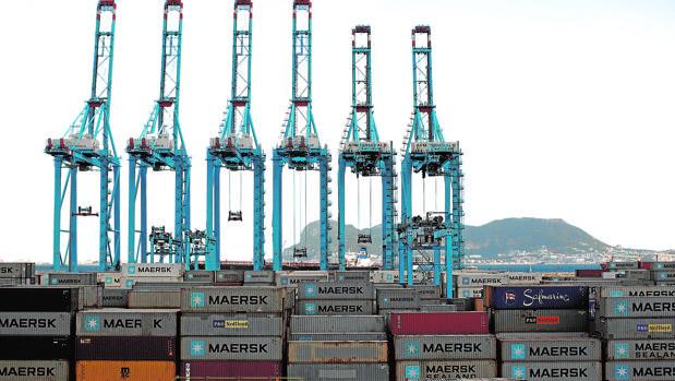 Hemeroteca: Las navieras desviarán más buques si se mantiene la crisis de la estiba | Autor del artículo: Finanzas.com