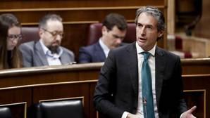 De la Serna dice que el rechazo al decreto «ha sido un palo al Gobierno pagado por el bolsillo de los ciudadanos»