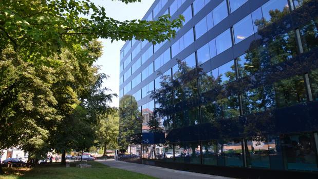 Bbva vende una cartera de 14 edificios de oficinas y for Oficinas bbva toledo