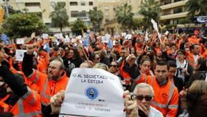 Los estibadores desconvocan la huelga tras no aprobar el Congreso la reforma