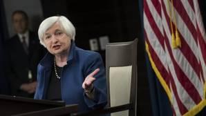 La presidenta de la Reserva Federal (Fed) de Estados Unidos, Janet Yellen, en rueda de prensa tras la decisión de elevar el 0,25 % de los tipos de interés en EEUU