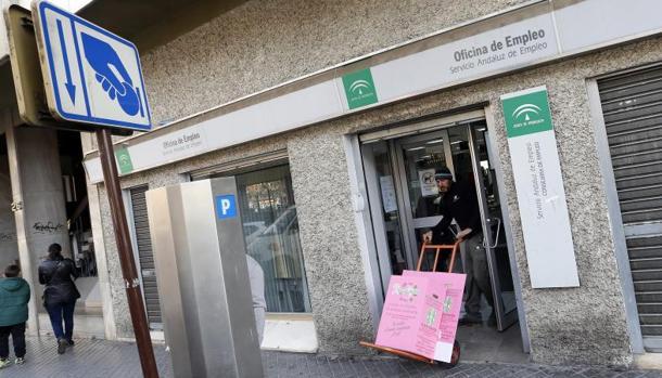 El paro baj en personas y se crearon for Oficina de correos toledo