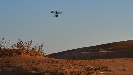 Un dron graba planos aéreos que se incluirán en el montaje final del anuncio