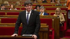 Carles Puigdemont, presidente de la Generalitat, en el Parlamento catalán
