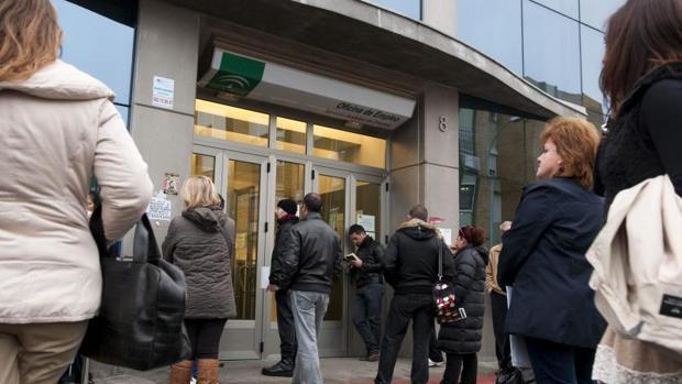 Los hogares con todos sus miembros en paro suben en - Oficina de empleo galicia ...