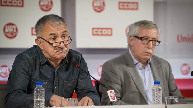 Los secretarios generales de CCOO y UGT, Ignacio Fernández Toxo y Pepe Álvarez,